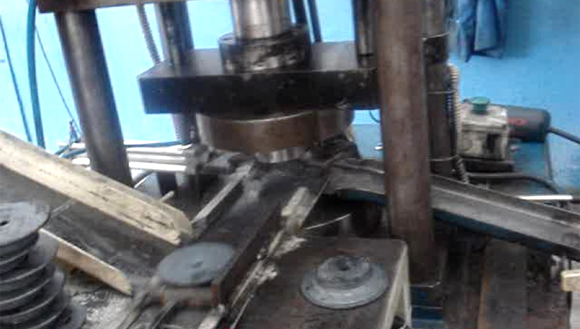 Product Feeding System for Press